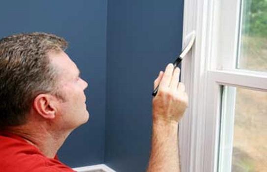 Как убрать старую краску с оконной рамы